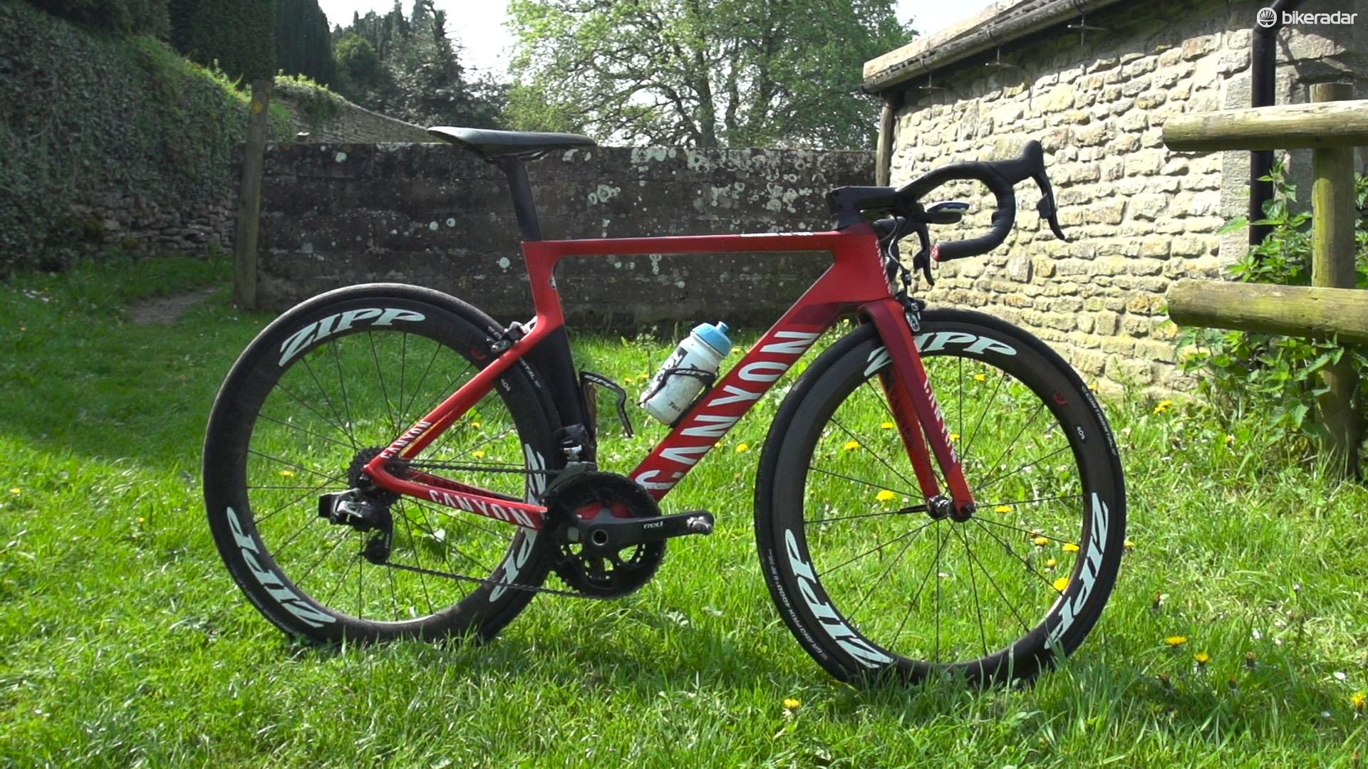 Our Canyon Aeroad CF SLX was an eTap-kitted custom build in Katusha colours