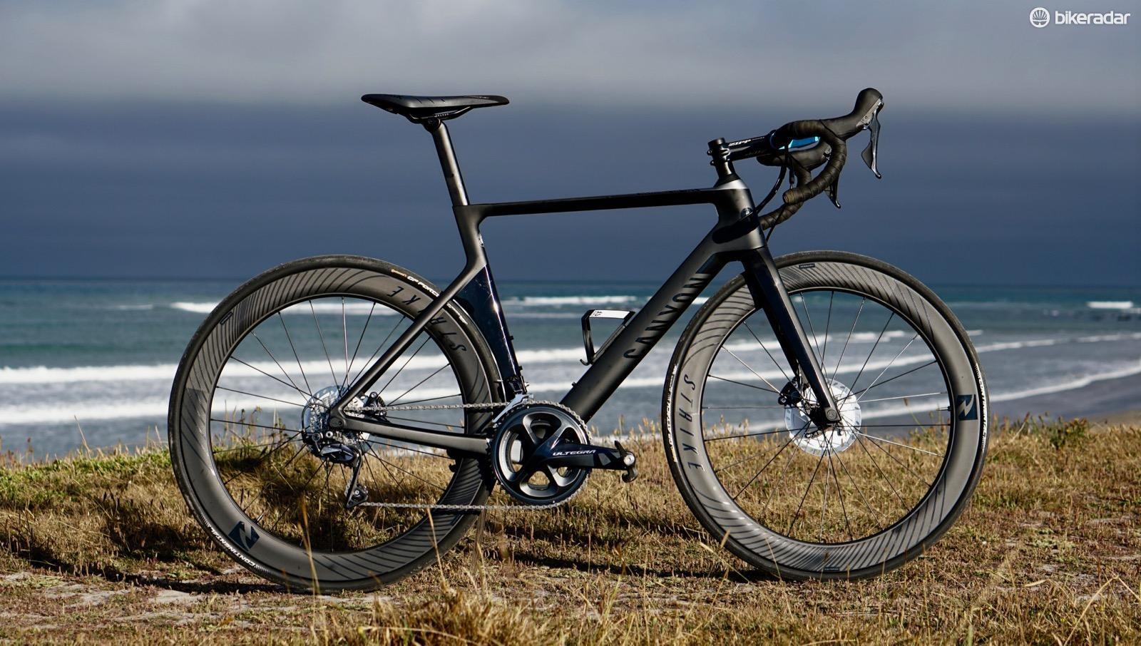 Canyon's Aeroad CF SLX Disc 8.0 is a fast disc bike with a normal bar and stem — and a great price