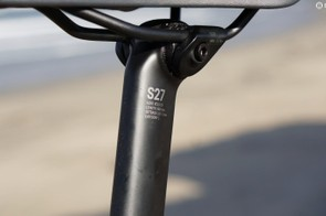 Aside from the shaping possibilities carbon provides, the black material also delivers more comfort than an alloy post