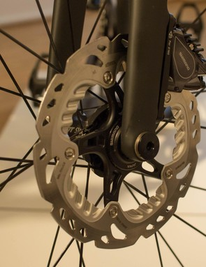 The disc brakes used are Shimano's superb BR-R785 hydraulic models