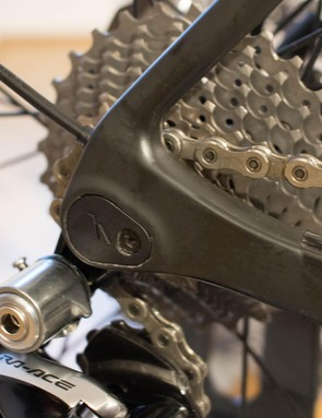 The rear derailleur hanger sits between the frame and hub, and is claimed to be extra stiff for crisper shifting