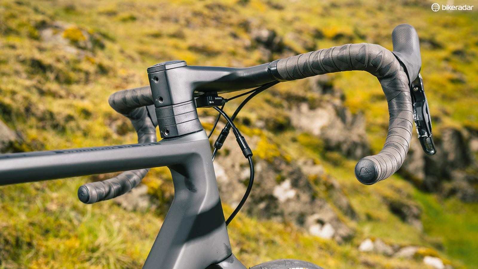 One-piece bar and stem with its proprietary shaped spacers, looks more aggressive than cossetting