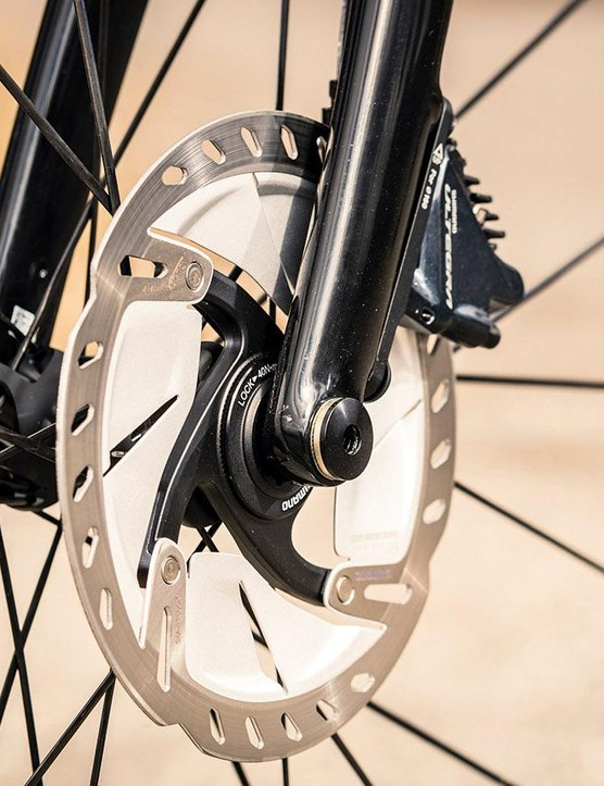 Hydraulic disc brakes provide welcome stopping power