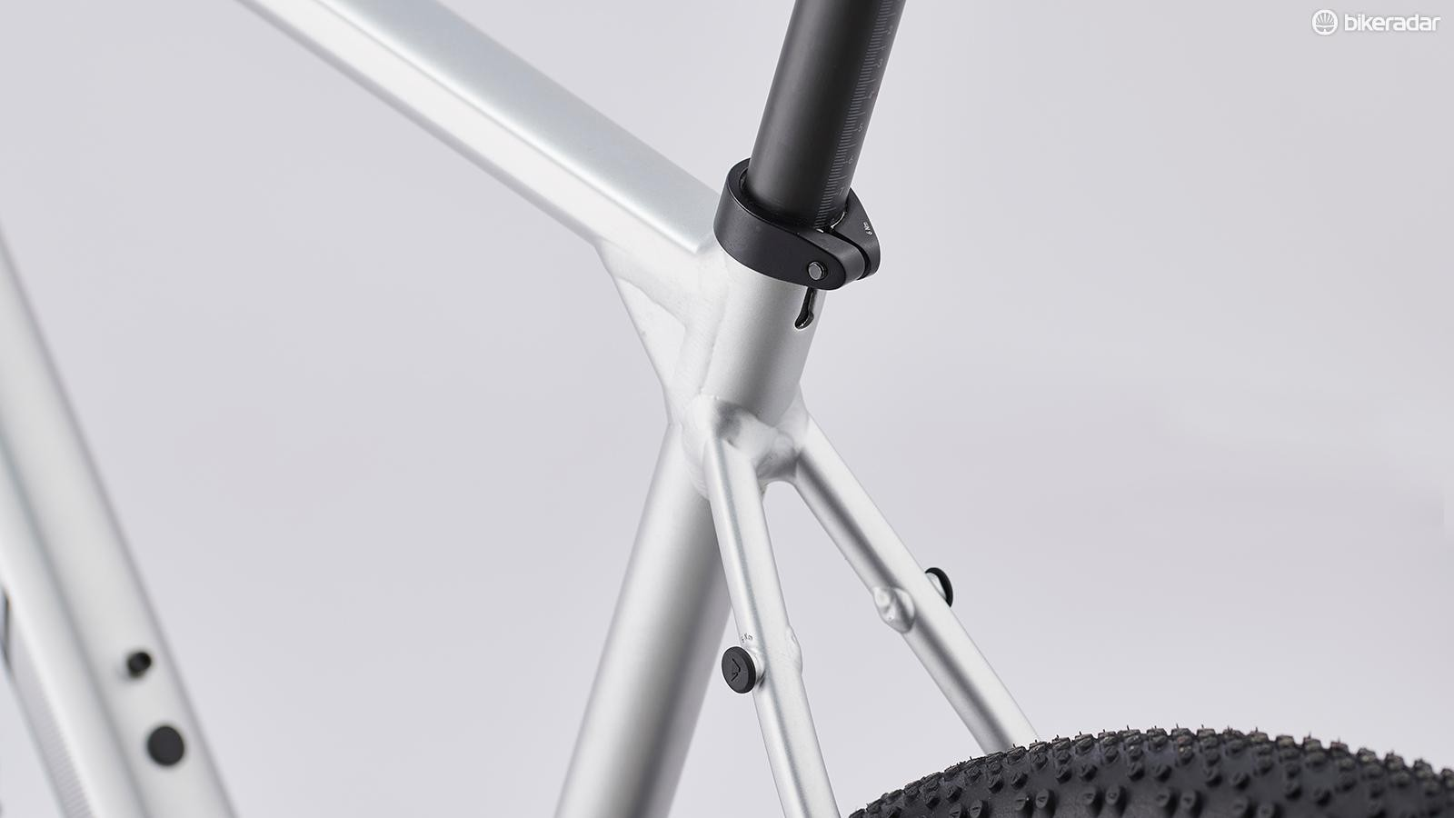 The saddle sits atop a VCLS carbon shock-absorbing seatpost