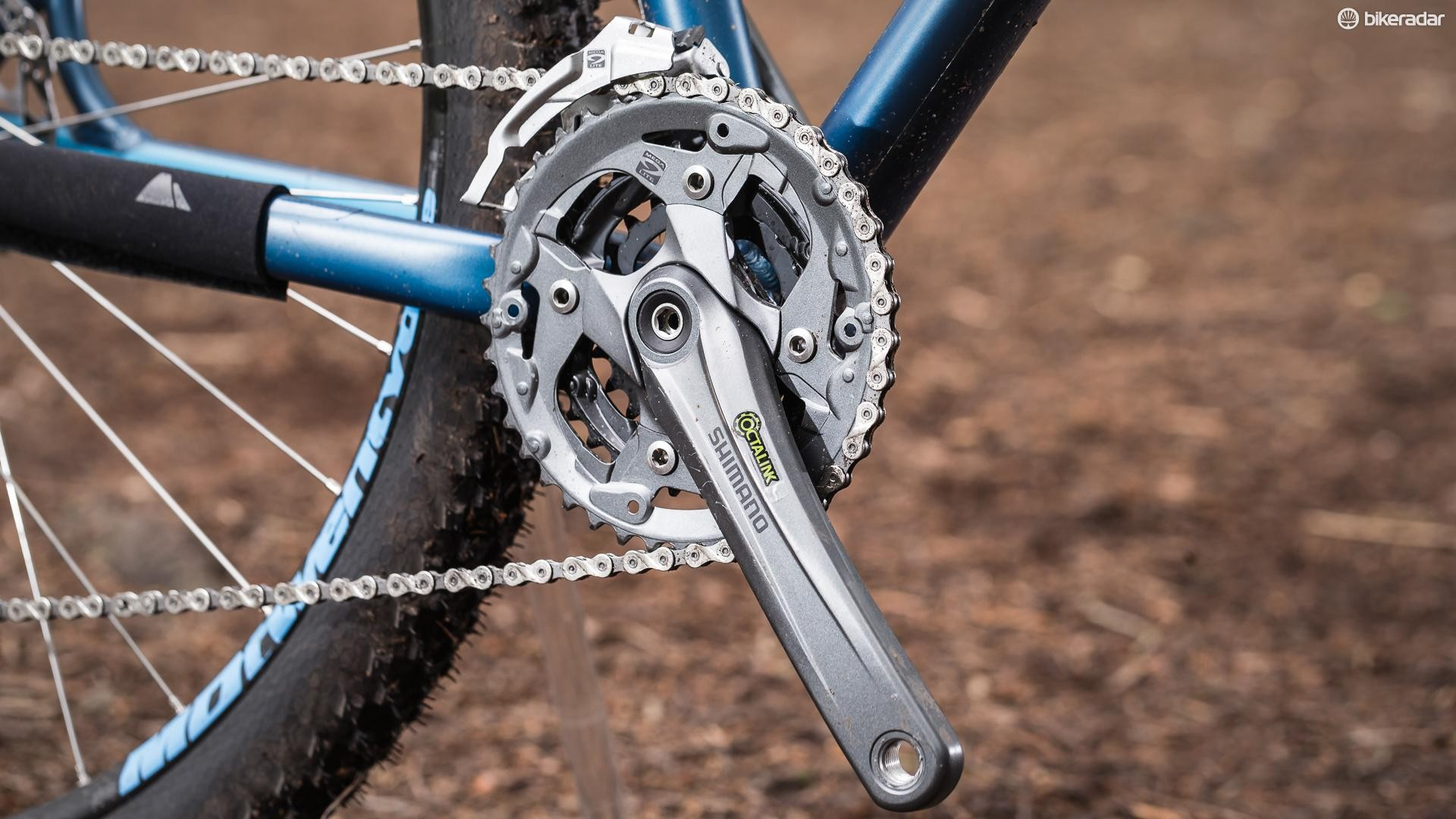 The triple chainset uses a durable splined bottom bracket