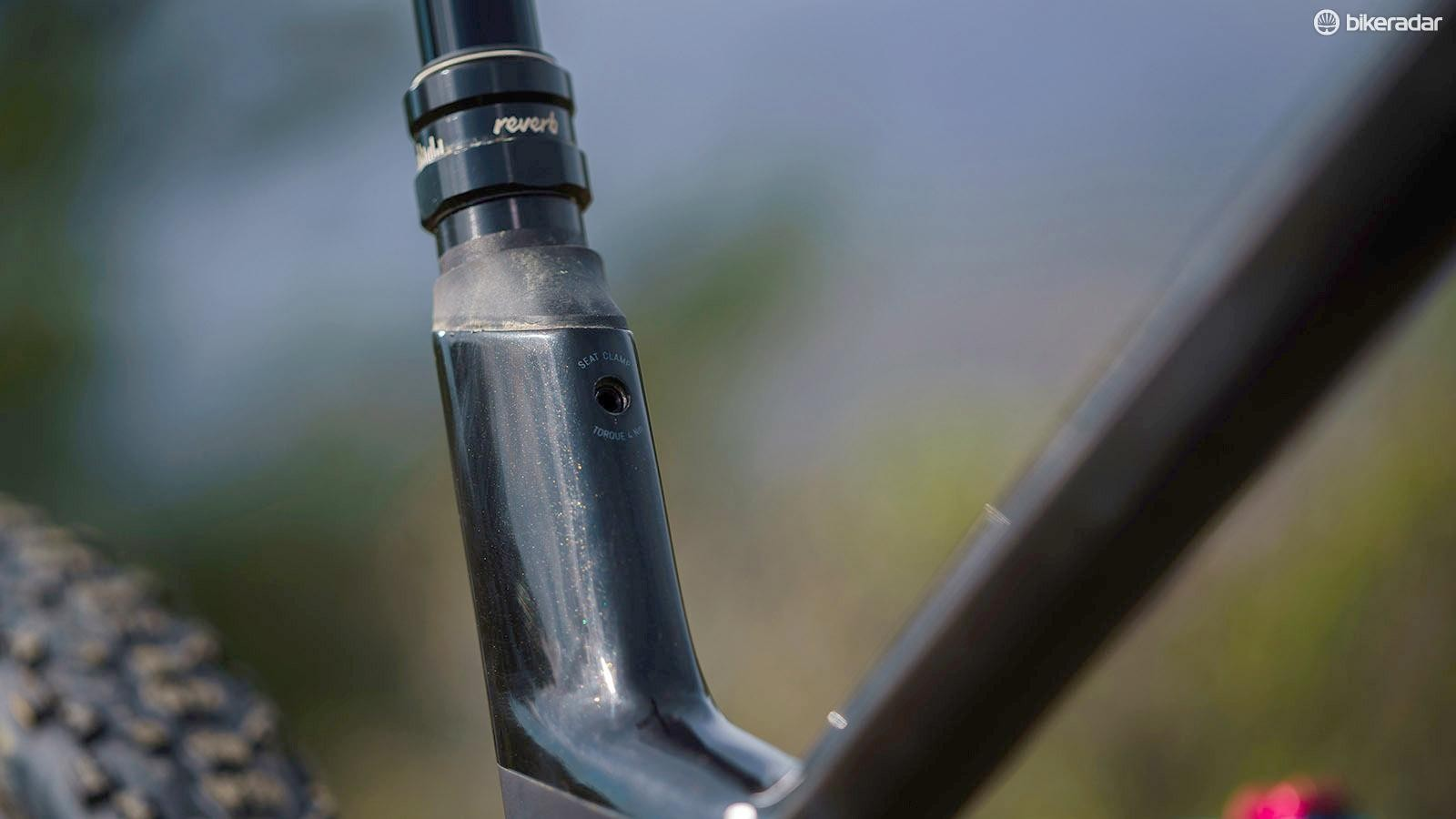 The stepped seat tube conceals an internal seatpost clamp