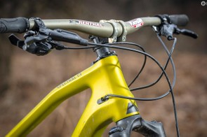 Wide 780mm Renthal handlebars