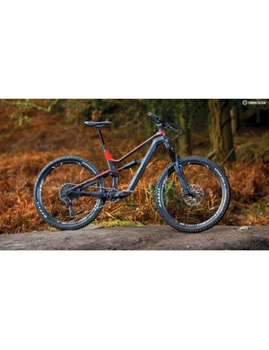 The Spectral is a good-looking frame, with semi-internal cable routing adding to the aesthetics