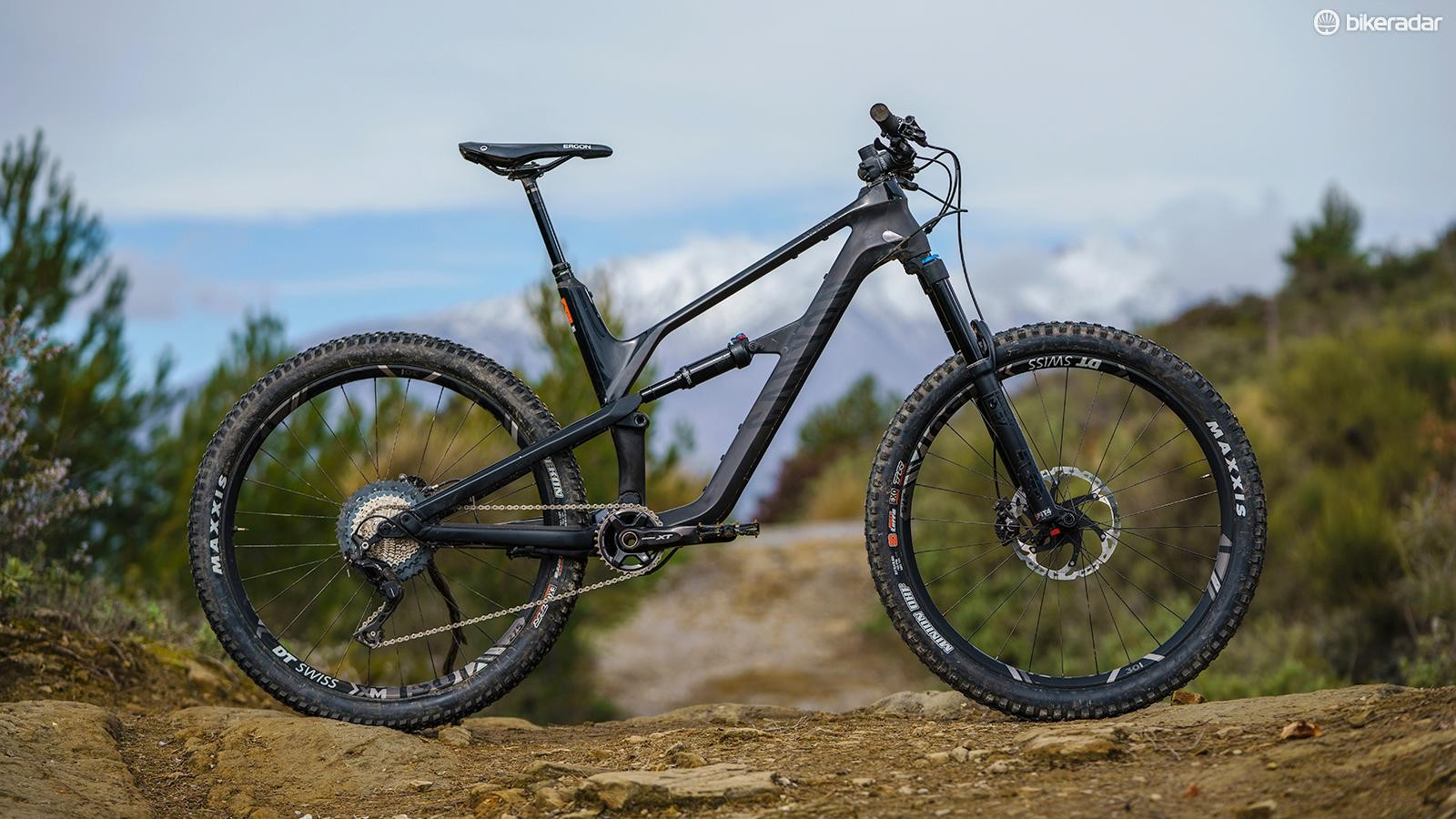 The Canyon Spectral CF 9.0 is all new for 2018