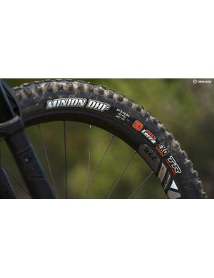 2.6in Maxxis rubber — the Minion DHF is my favourite tyre in this format