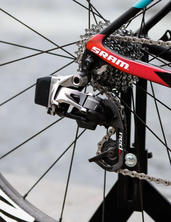 A look at the new SRAM eTap rear derailleur. It's 11-speed and works with the current generation SRAM Red 22 cassette, chain and crankset