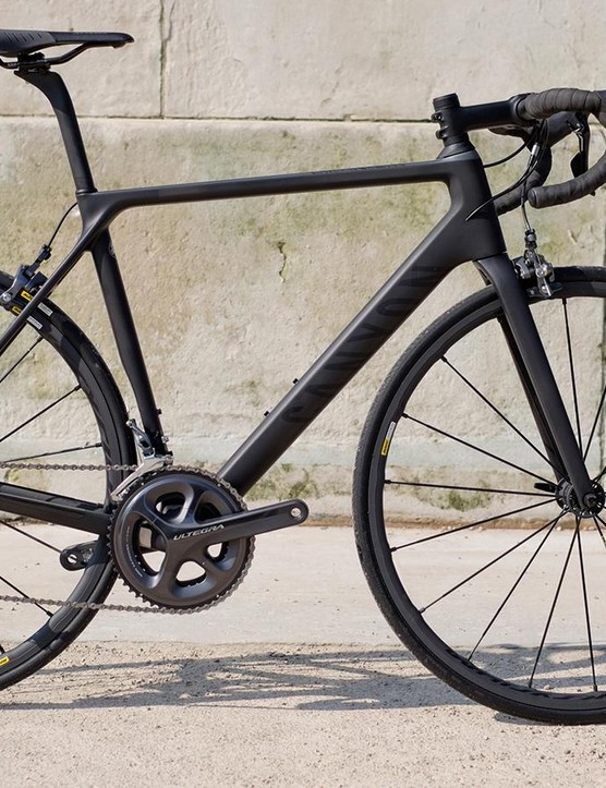 Canyon's Ultimate CF SLX 8.0 is every inch the stealthy race weapon