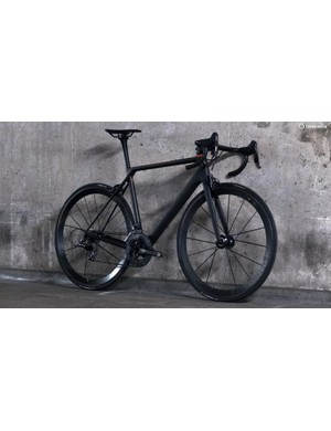 On our scales the Ultimate CF Evo 10.0 SL weighed 5.1kg with no pedals or cages