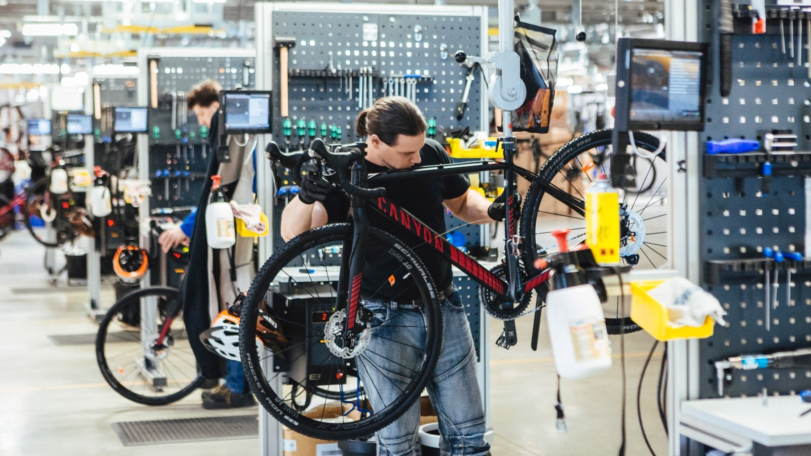 The bikes spend around 60 seconds at each assembly bay