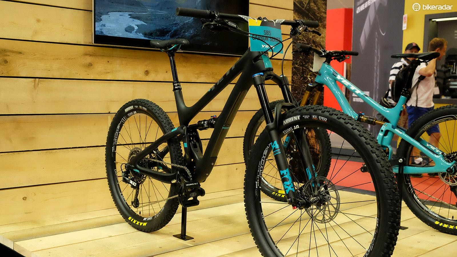 Starting this Fall, Yeti will offer more affordable versions of its carbon bikes. These Carbon frames come with a 250-400g weight increase over to top-end Turq carbon versions