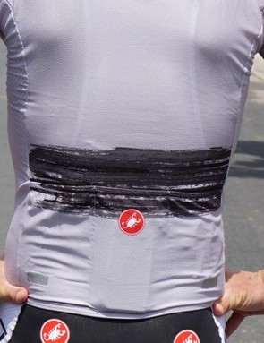 While Castelli's super flyweight Ultraleggera jersey a few years ago had super-saggy pockets, the Climber's jerseys recently offer standard carrying capacity