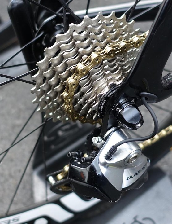 Cav used an 11-28 cassette on today's stage, something many riders are doing for all stages. A gold KMC chain blings up his bike