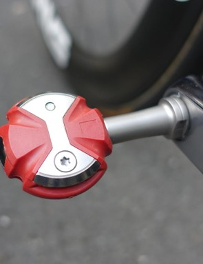 What appear to be a set of brand new Speedplay Zero pedals with stainless steel spindles are used to transmit Cav's finishing kick to the drivetrain