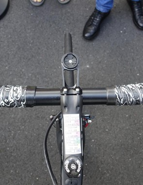 A view of Cav's office. The Manxman uses 42cm bars and a 12cm stem from Enve. A sharp eye will pick out Di2 sprint shifters. His reach from the tip of his saddle to the center of his bar top is 53.7 centimeters
