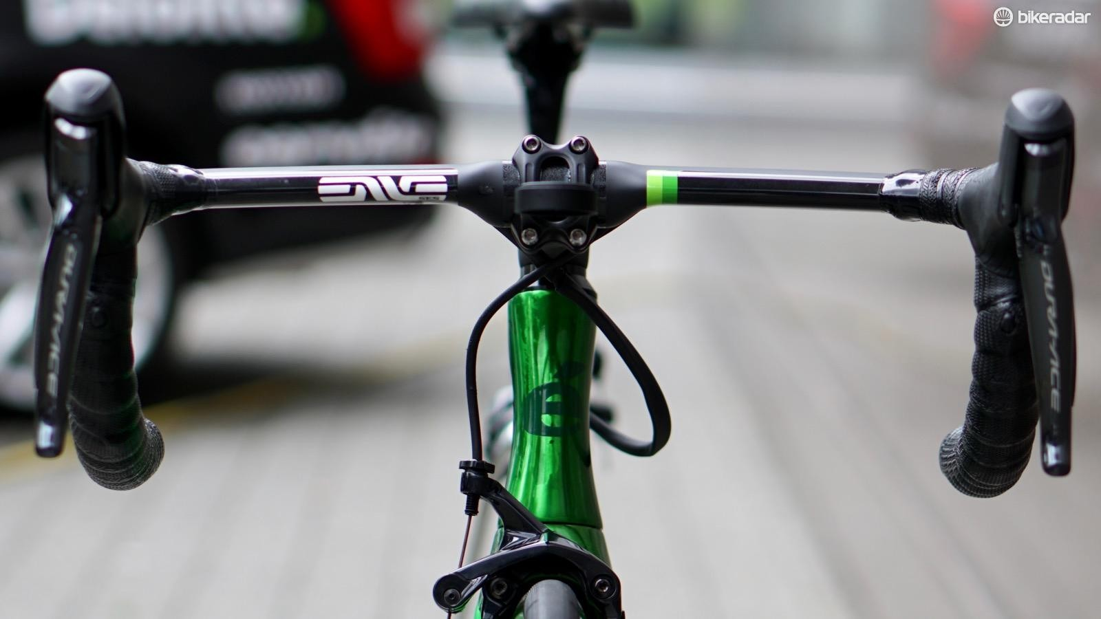 ENVE's standard aero bar features drops that angle inwards towards the center of the bike. Cavendish asked for standard drops, and got them