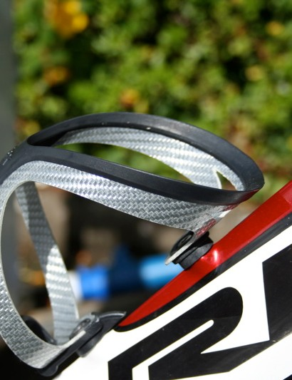 A single Tacx Tao bottle cage was bolted on when we caught up with Evans' bike but he ran without during Tuesday's relatively short time trial.
