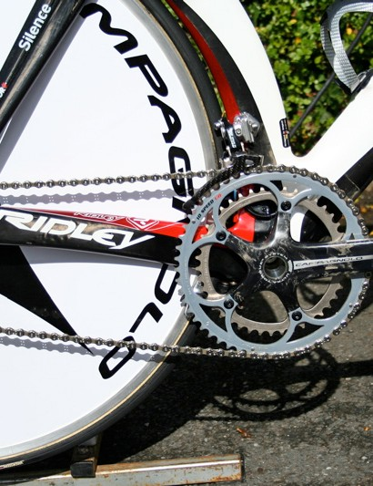 Silence-Lotto uses an entirely Campagnolo drivetrain on all of its bikes.