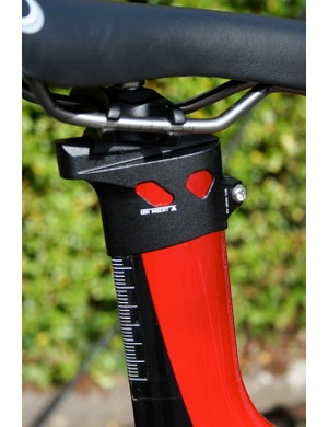 The Dean shares the same kind of seat clamp as the other integrated seatpost frames in the Ridley range.