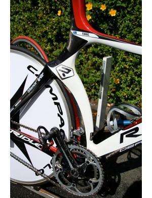 The Dean's seat tube closely hugs the rear wheel before heading up towards the saddle.