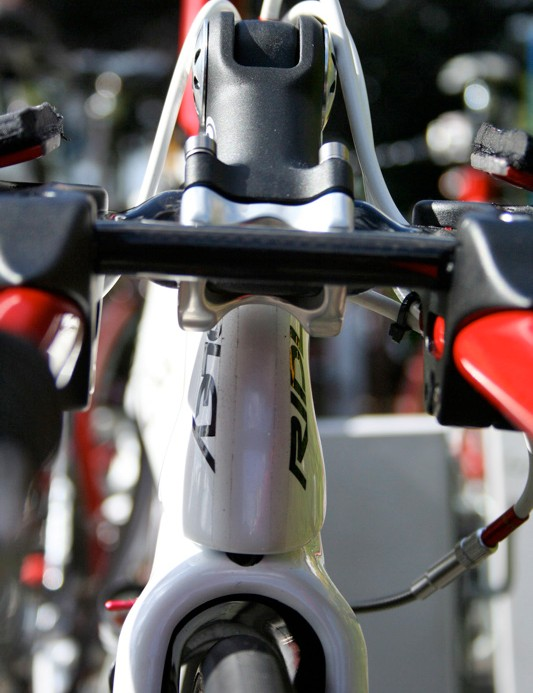 The RBT front of the stem is partially hidden from view by the front of the Laminar bars.