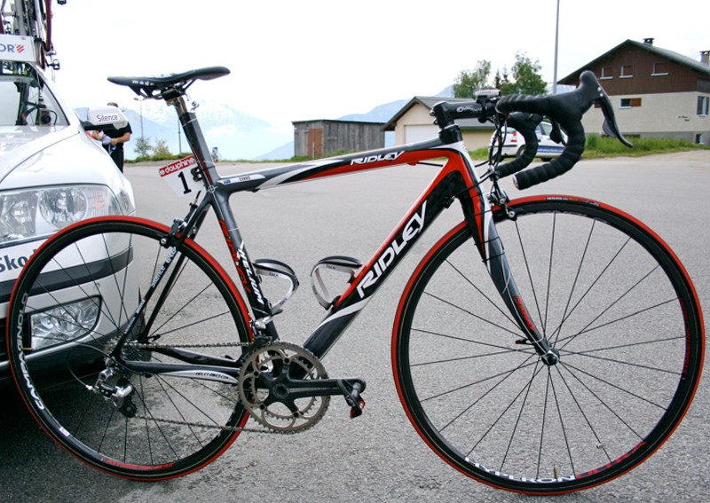 Cadel Evans' Ridley Helium awaits the final stage of June's Critérium du Dauphiné Libéré.