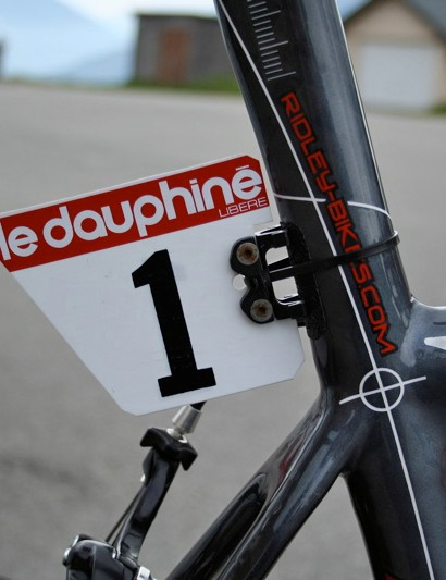 In the absence of last year's Dauphiné winner Christophe Moreau, Evans was given the honour of race number 1.