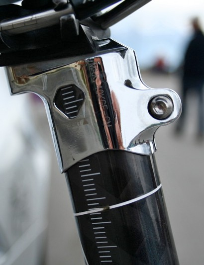 The head on the integrated seatpost can be adjusted fore and aft to accommodate different rider physiologies.