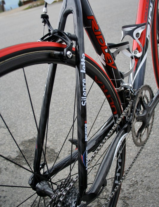 The super-thin seat stays drop more weight and allow some vertical compliance, but Ridley claims that the Helium is one of the most durable lightweight carbon frames out there.