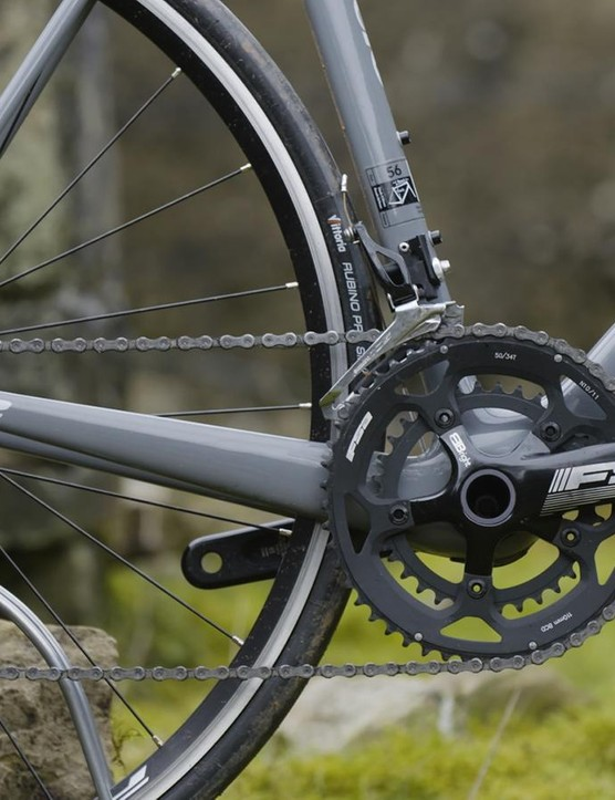 A 105 drivetrain and FSA Gossamer crankset are cost-saving choices, but good ones nonetheless
