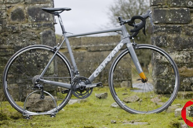 We liked our Cervélo R2's stealthy grey finish