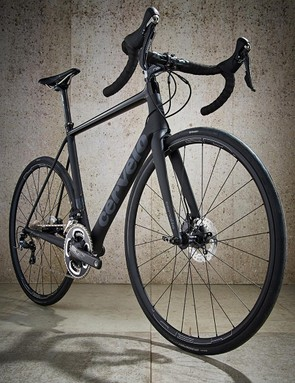 The Cervélo R3 has aggressive geometry and super-low weight