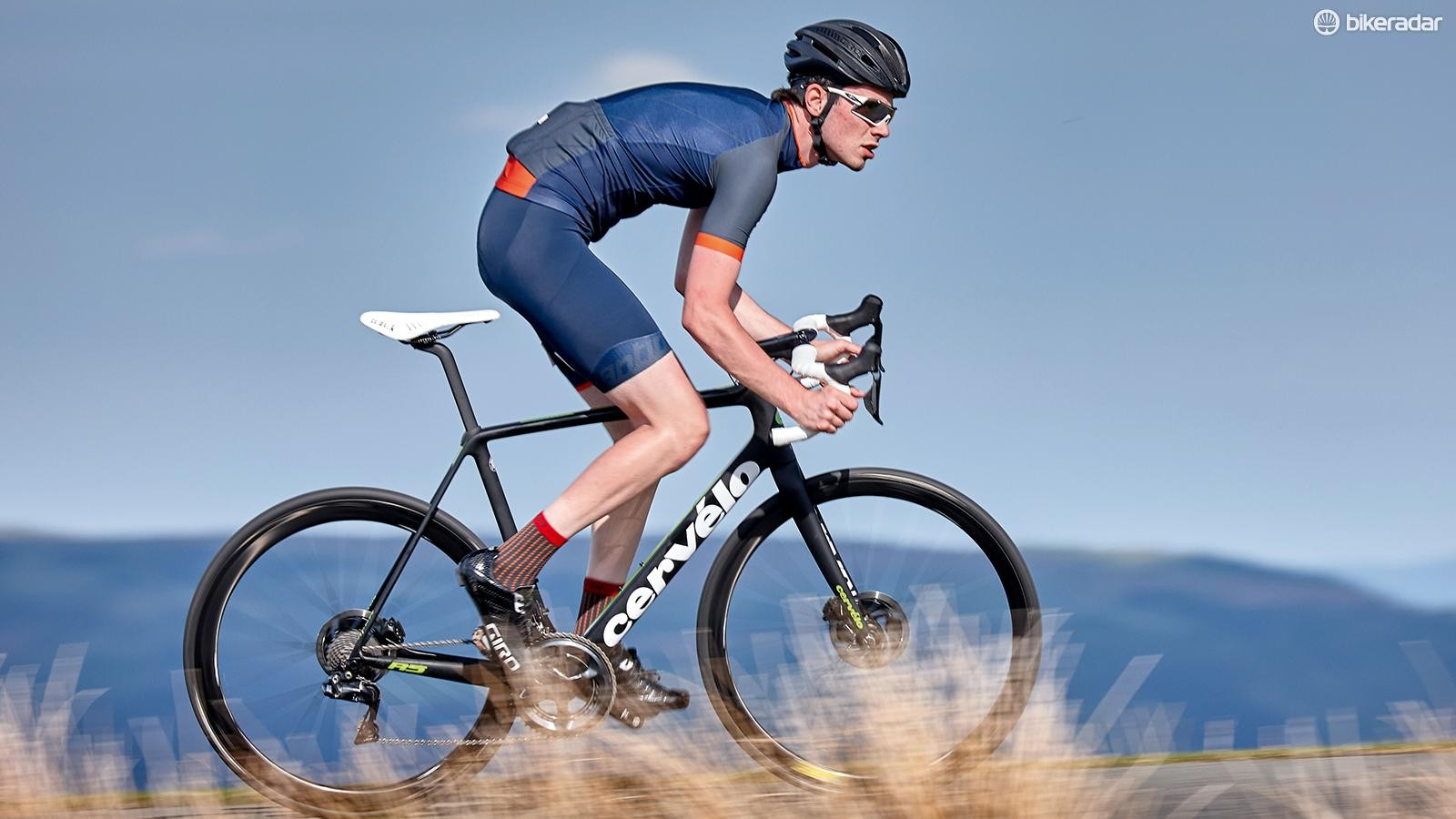 The Cervélo R5 Disc achieves the highest levels of performance for much less cash than its rivals