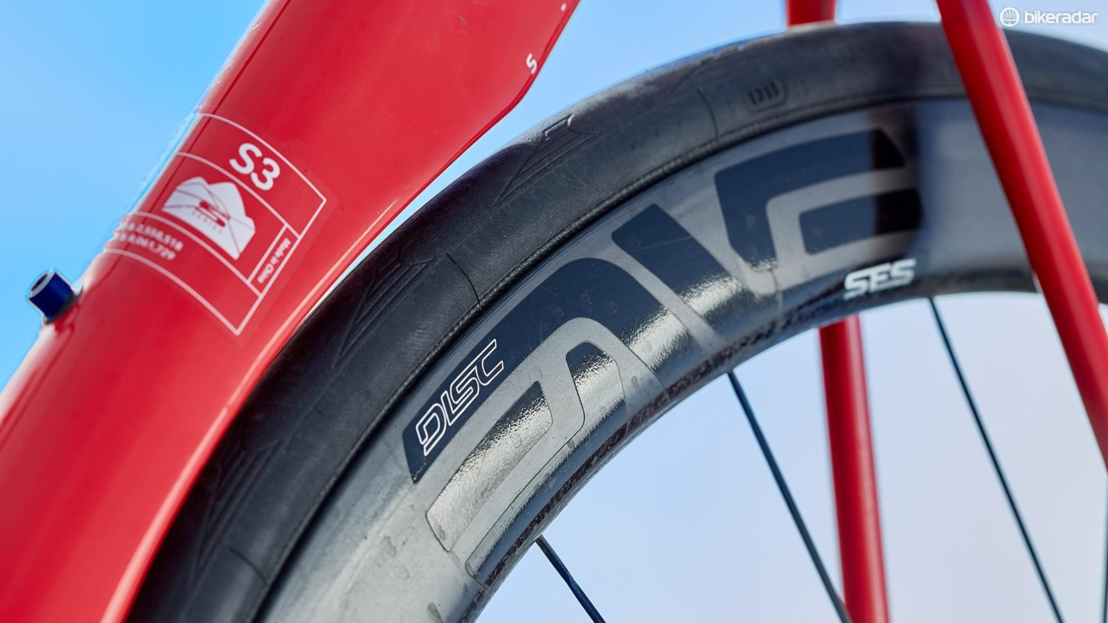 The ENVE rims are oblivious to forces from crosswinds, giving confidence at speed