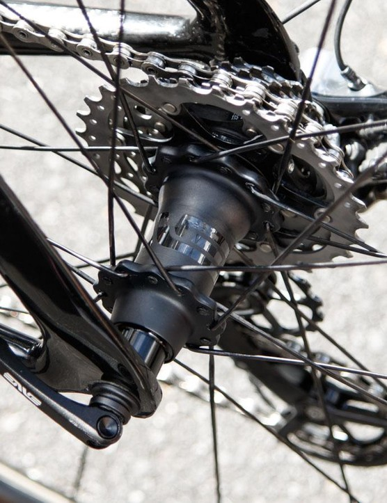 Saving a claimed 60g over a pair of DT Swiss 180 hubs, ENVE's new carbon hubs are extremely light. They feature the DT Swiss star ratchet freehub