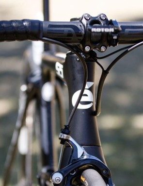 The Cervélo S5's cables are not hidden, but this is still one quick bike