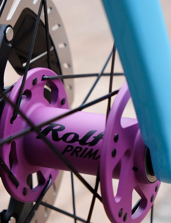 Rolf hubs round out the color-coordinated kit