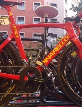 Chris Froome also had a spare custom Pinarello Dogma F10 on the team car