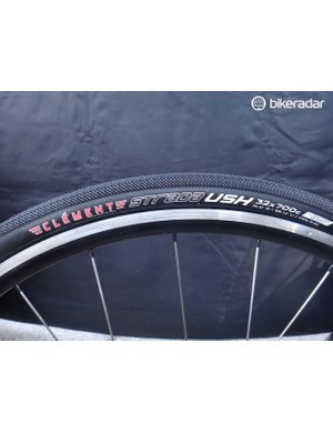 Clement continues to debut new tubeless-ready 'cross and gravel tires, this time with the Strada USH. The 32mm size is a tad oversized according to Clement, retails for $75 and will be available in May