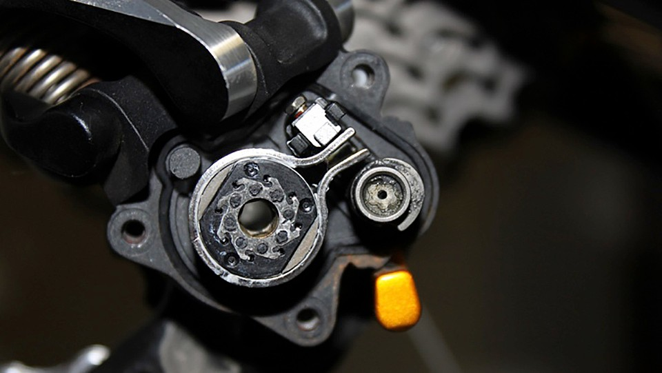 How to adjust a Shimano Shadow Plus clutch rear derailleur