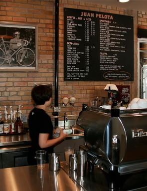 Juan Pelota, the coffee shop within.