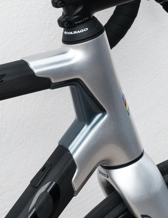 Have you seen a more clean front-end on a disc bike?