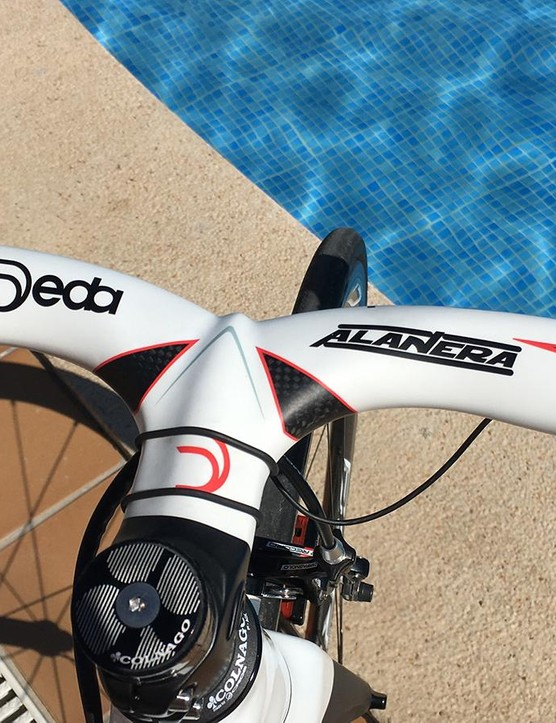 Gilmore's bars are Deda Alanera and set to 42cm
