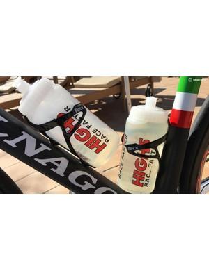 Space for two Tacx Deva Carbon bottle cages