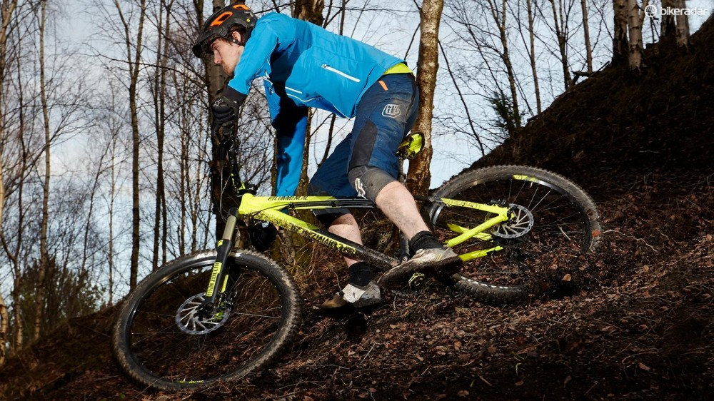 commencal-meta-ht-am-essential-act1-06-1458152324046-1vgms1nwy7xwu-1000-90-fa99d9f