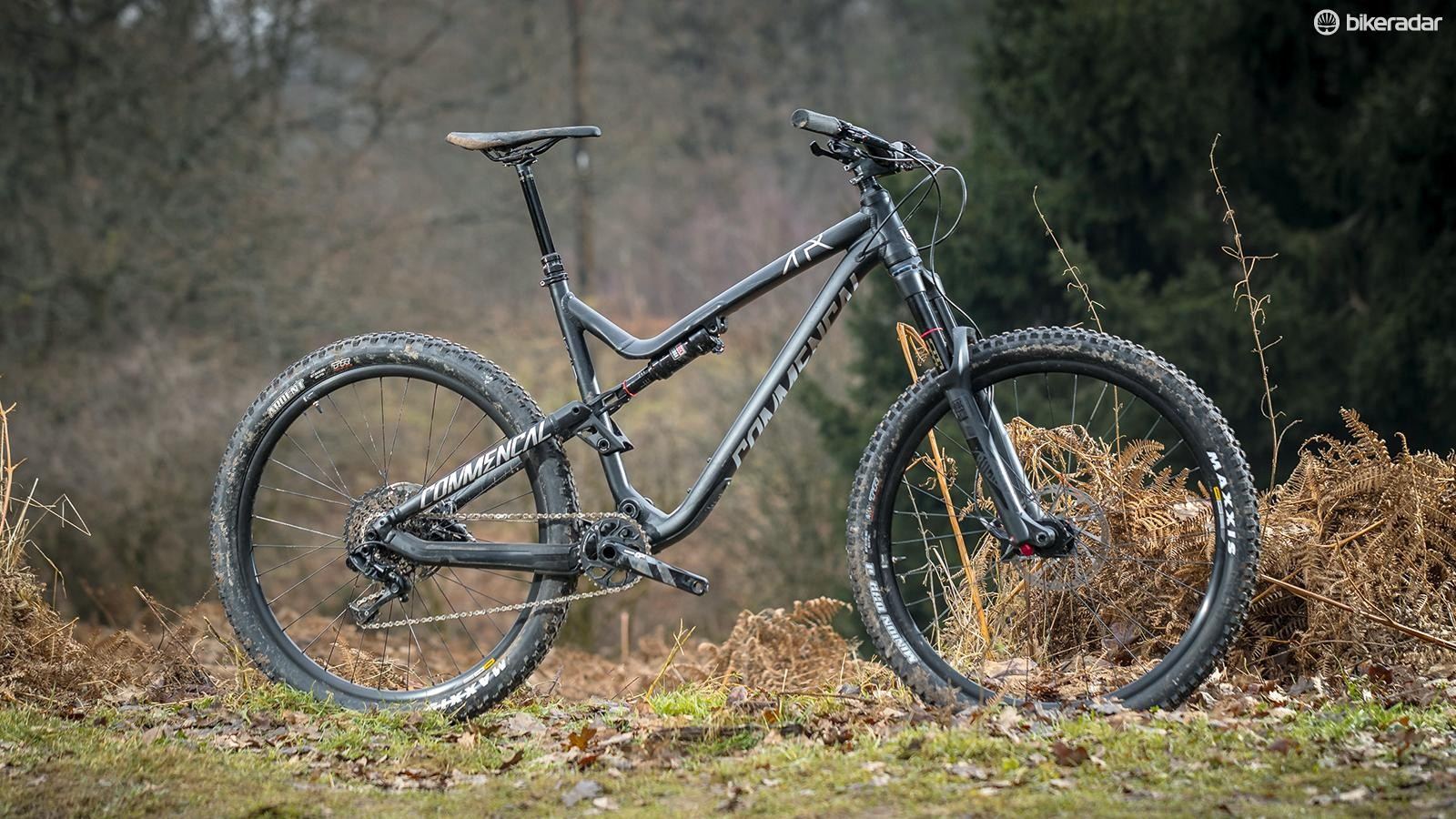 The Commencal Meta Trail V4.2 Essential 650b